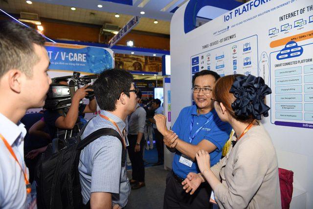 Đang diễn ra Triển lãm Viễn thông - CNTT&TT lớn nhất Việt Nam 2016